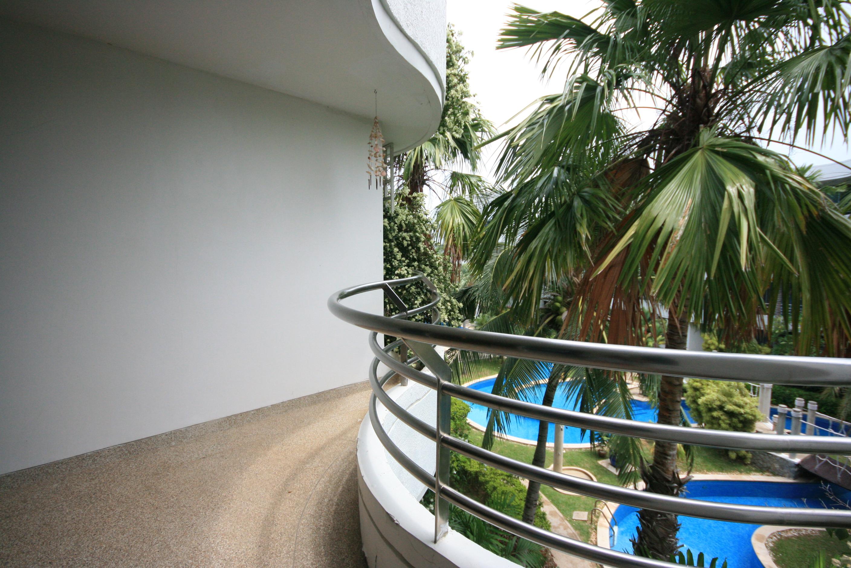 Luxurious Condominium for Rent at Baan Chaytalay