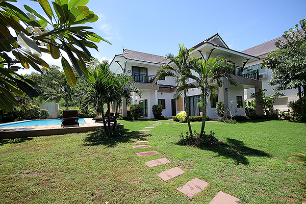 Beautiful House with Private Pool for Rent