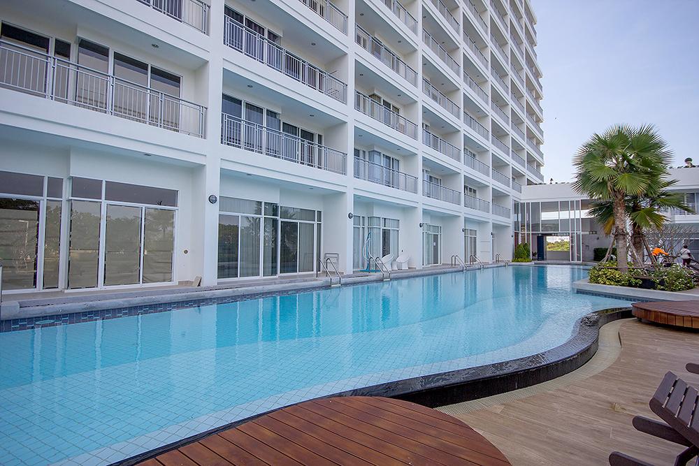 Beautiful Condominium with Sea View for Rent