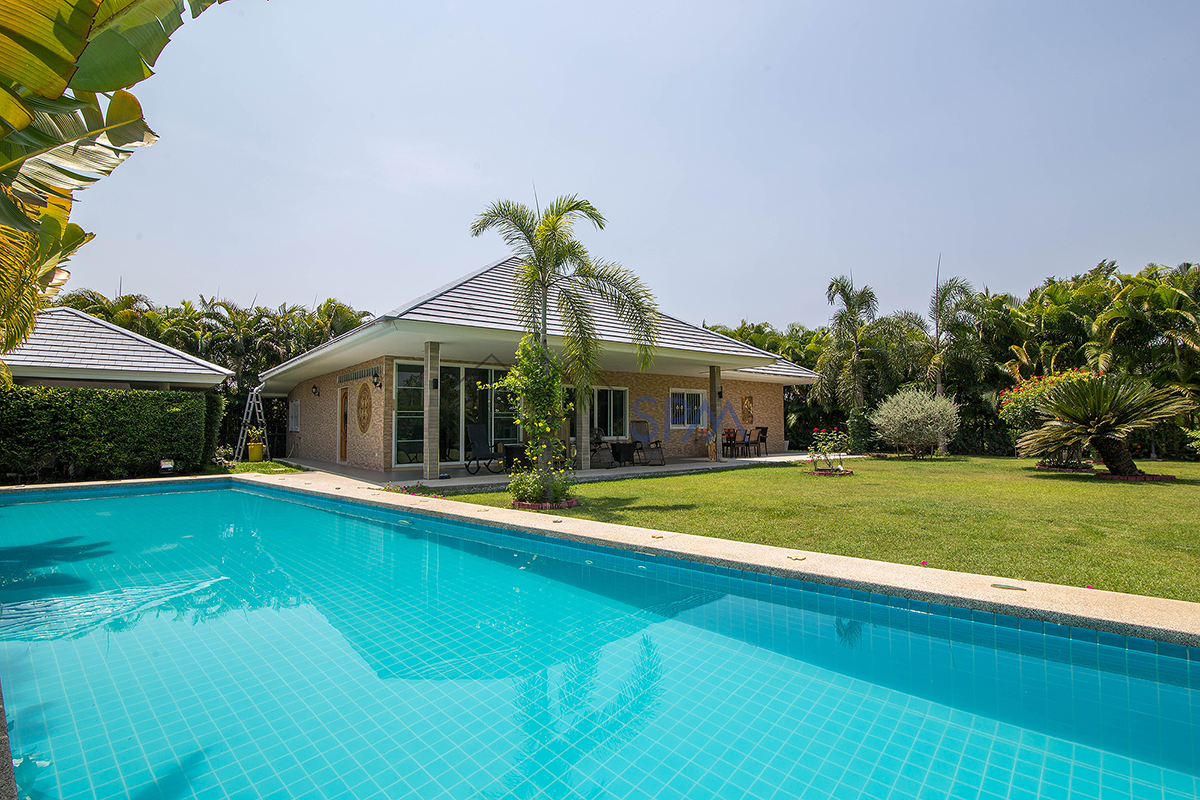 Pool Villa at Grove Residence near Black Mountain Golf Course  for Rent