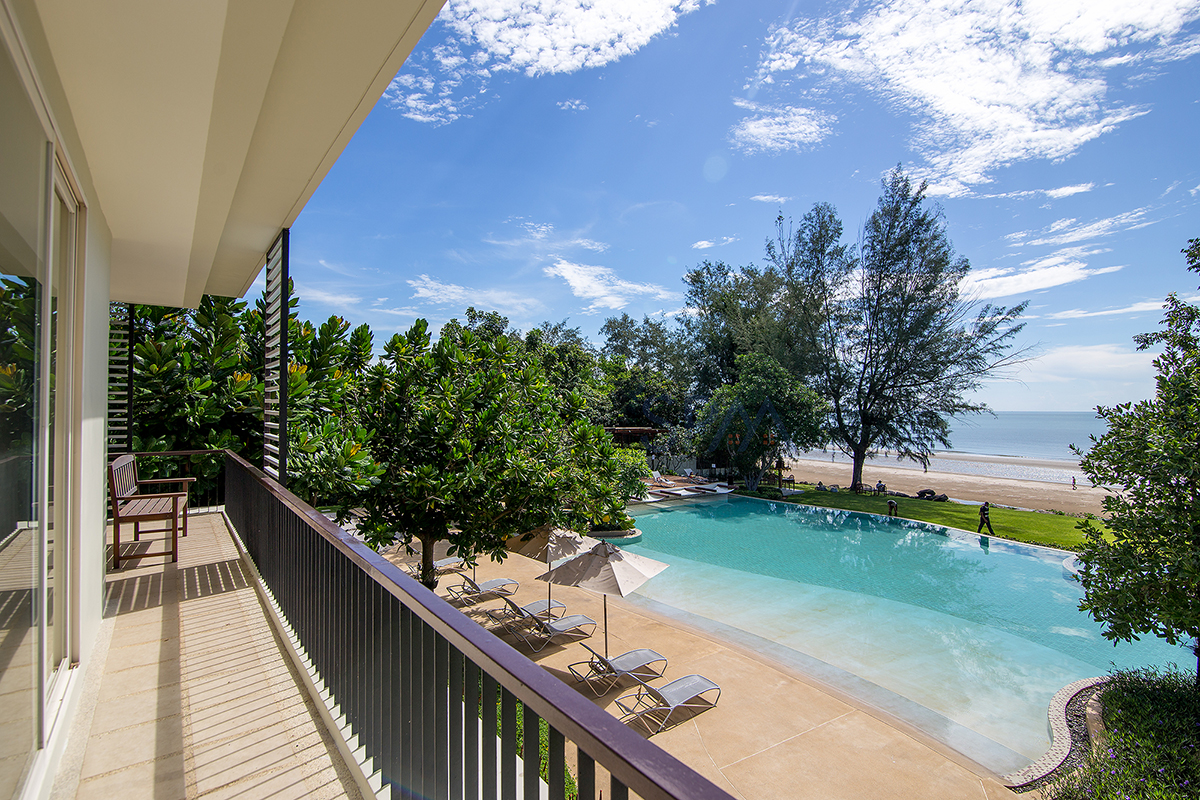 Beach front unit with a great sea view at Baan Nubkluen Khaotao Hua Hin Soi 101
