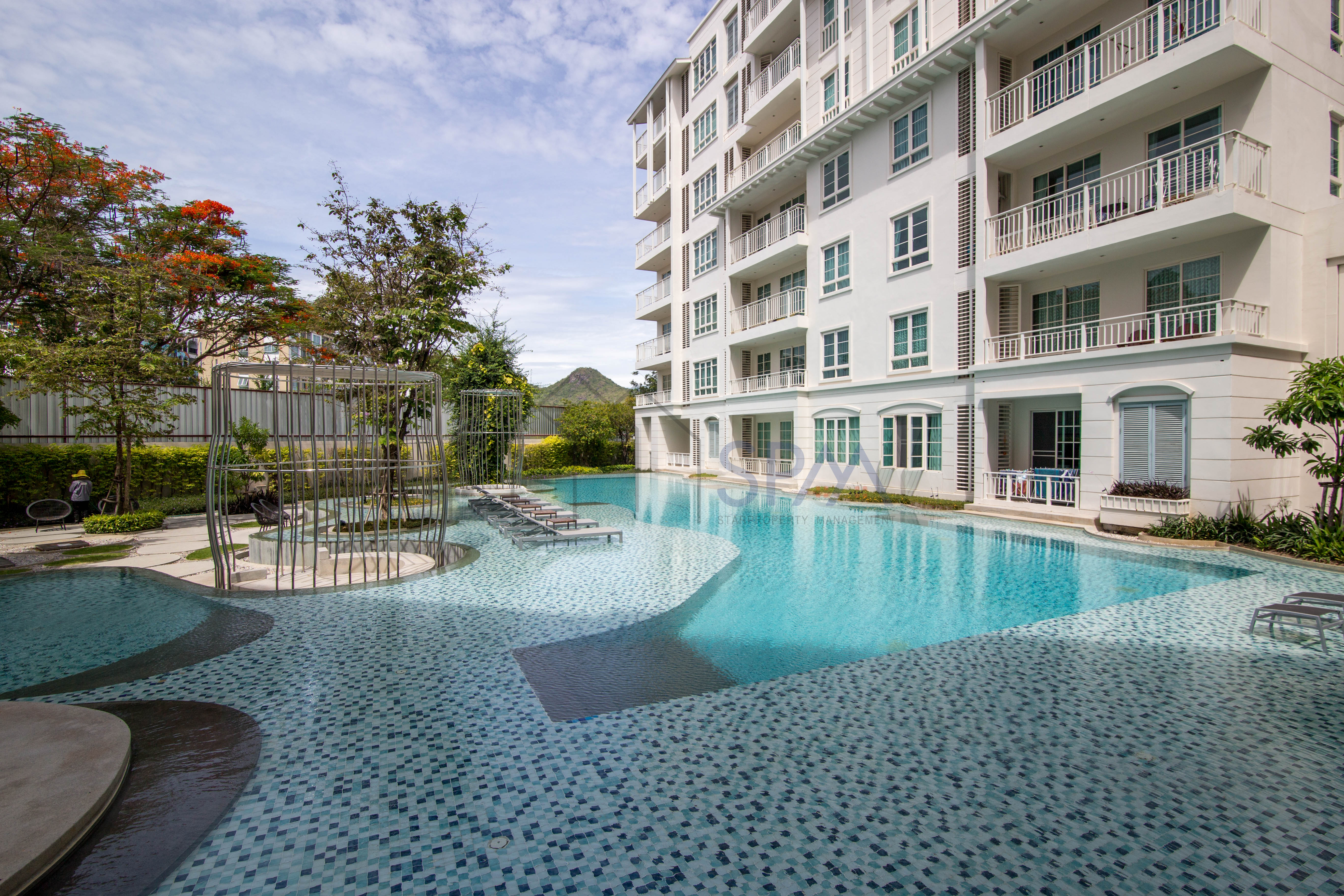1 bedroom unit at Summer Condominium, pool view on 5th floor for Sale