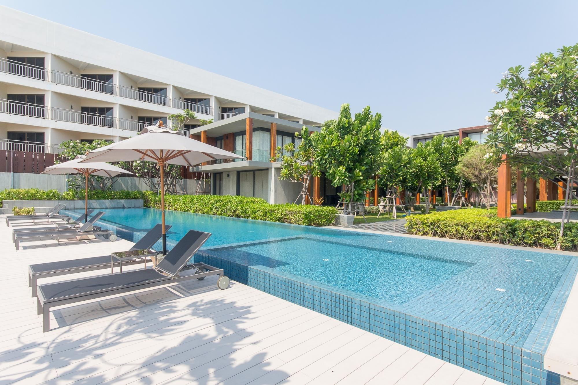 Modern House for Sale at Samran Lom Hua Hin Beach, Hua Hin Soi 19