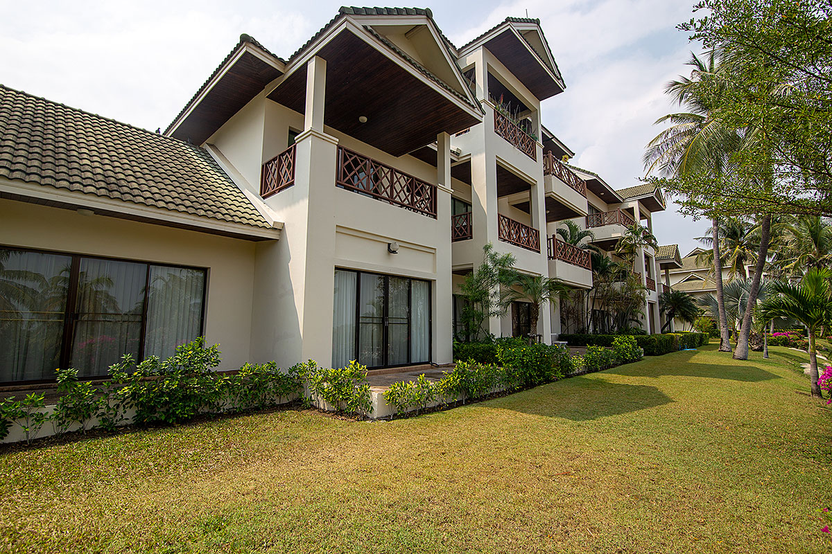 262 sq.m. 3 Bedrooms, ground floor unit at Palm Hills for Sale