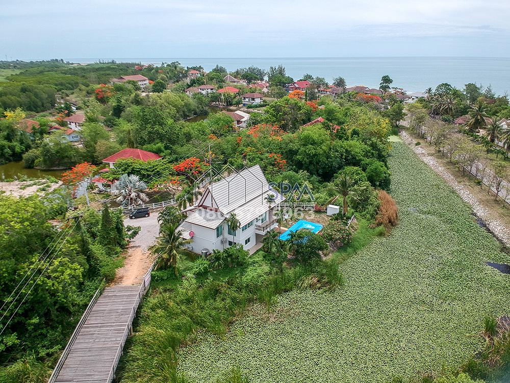 Pool Villa, near the beach at Cha Am for Sale
